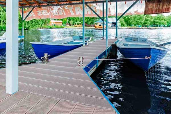 террасной доска как напольное покрытие палуб яхт, пассажирских лайнеров и прочих судов