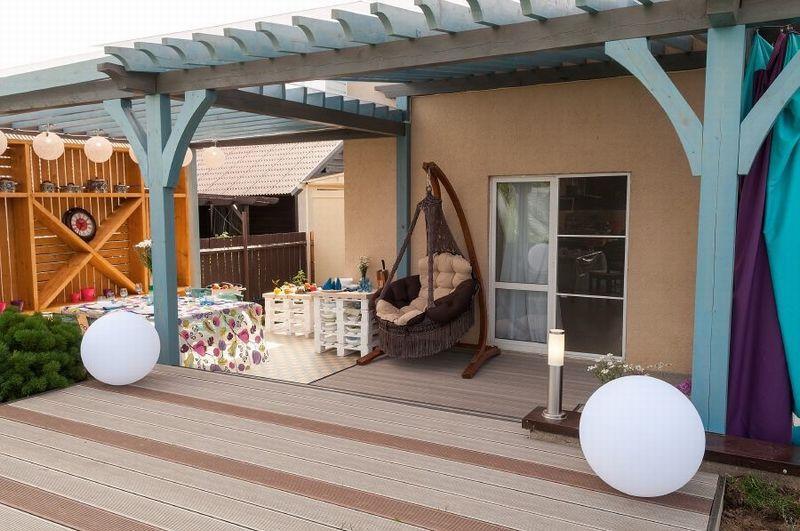 Патио возле дома